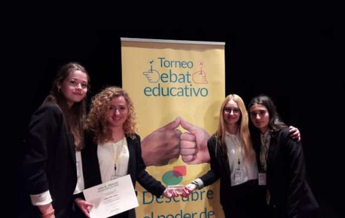 Alumnas del IES Alto Almanzora de Tíjola ganadoras del concurso.