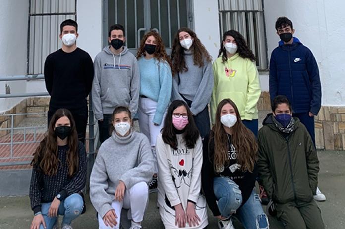 Alumnos del IES Alto Almanzora de Tíjola que llevan el proyecto