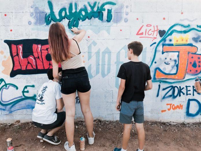 Taller de graffiti en Tíjola