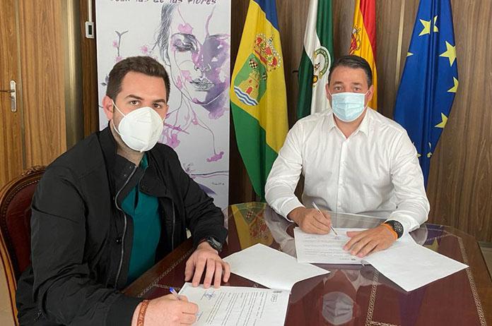 José Juan Martínez y Fco Javier Valverde en la firma del convenio